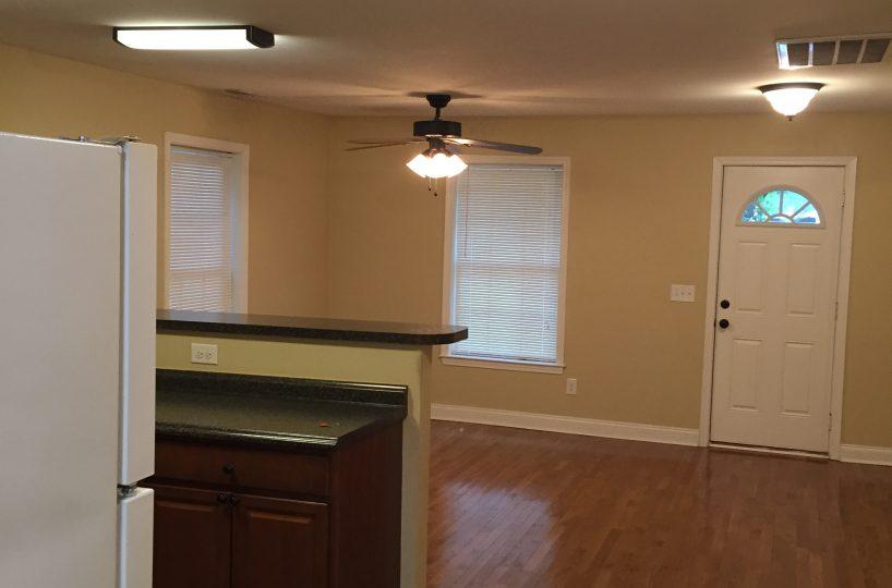 Dunlap Properties 116 Pecan Dr - Living Area